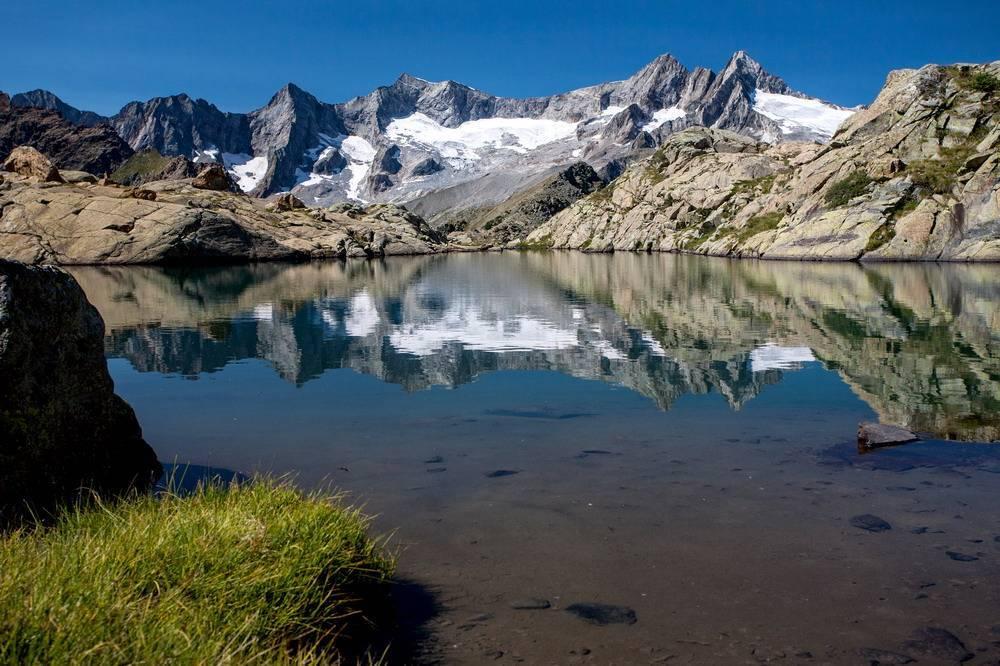 Lago Pirola con le scarpe da montagna di Jek e Ale